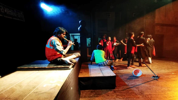 "Whistle Blower Theatre play ""Urfe Aalo"" seeks to drive social transformation for manual scavengers"