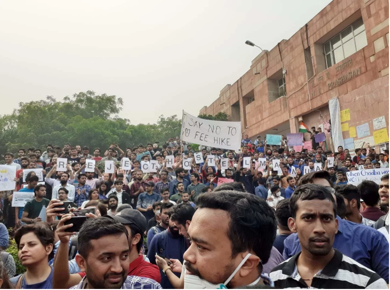 JNU: CRPF on campus, students intensify protest over massive fee hike